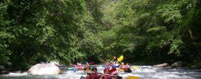 Faire du canoë-rafting dans les vallées du Mercantour pendant les vacances