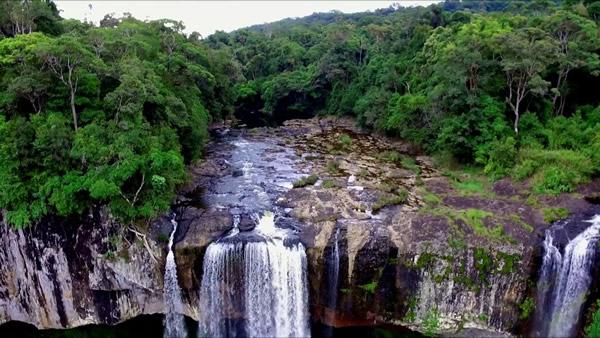 K'Bang, cascade au Vietnam
