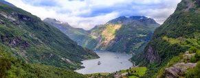 Quelles destinations visiter pour apprécier les plus beaux fjords au monde?